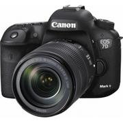 2016 EOS 7D Mark II DSLR Camera with EF-S 18-135mm IS STM Lens
